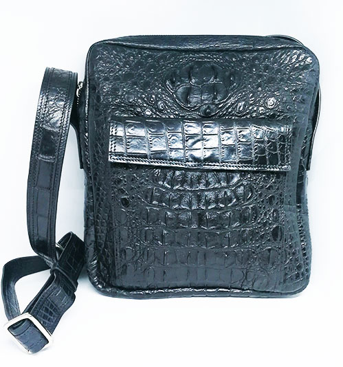 กระเป๋าสะพายชายหนังจระเข้แท้ สีดำ ส่วนหลัง รหัส CRM367H-BL