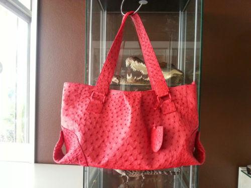 กระเป๋าสะพายหนังนกกระจอกเทศแท้ สีแดง รหัส OSW330H-RE