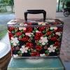 กระเป๋าเครื่องสำอางค์ งานวินเทจแท้ รุ่นคุณป้ายังสาว เก่ากว่า 50 ปี สภาพดีมาก