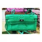 สินค้าแนะนำ : กระเป๋าสะพายหนังจระเข้แท้ สีเขียว