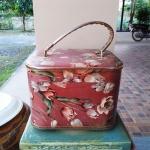กระเป๋าใส่เครื่องสำอางค์ งานวินเทจแท้ รุ่นคุณป้ายังสาว เก่ากว่า 50 ปี