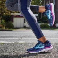 รองเท้าวิ่ง ( Running Shoes )