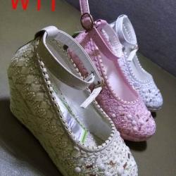 รองเท้าแฟชั่นผู้หญิง สีขาว/สีชมพู/สีน้ำตาล