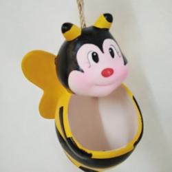 ตุ๊กตา เซรามิกขนาดใหญ่ ผึ้งแบบห้อย แขวน (ปลูกต้นไม้) สีเหลือง