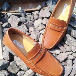 รองเท้าแฟชั่นผู้ชาย Fashion